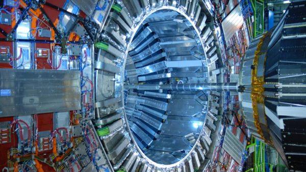 Comment fonctionne le CERN ?